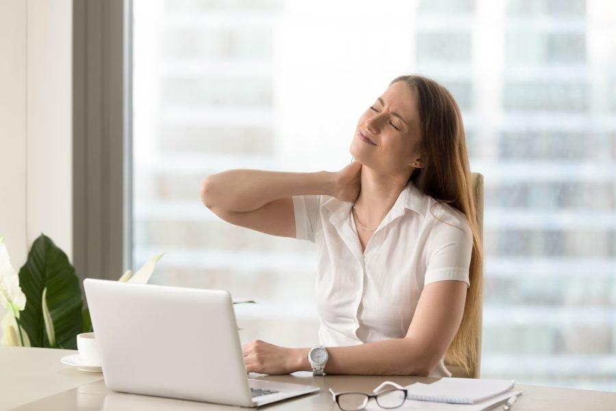 Cervicalgie, trouble de la vision et douleur haut du dos